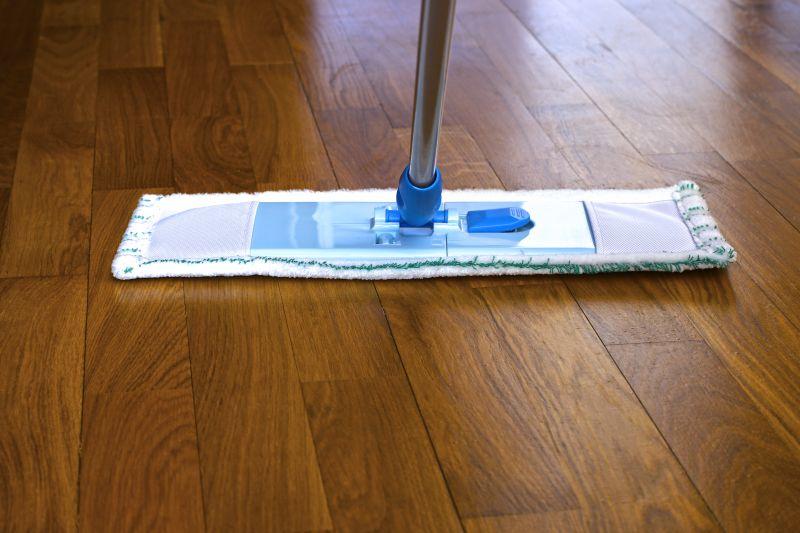 Čistění-a-voskování-podlah