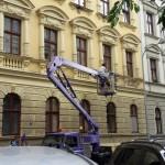 Čištění fasád ve výškách v Praze