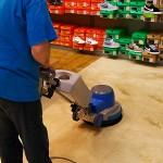 Strojové hloubkové čištění koberců